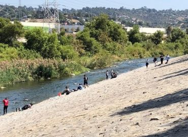 Engaging Students in the LA River through Interdisciplinary Science